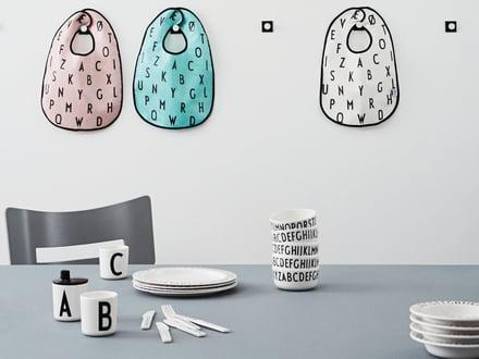 Design Letters - Bavoir AJ
