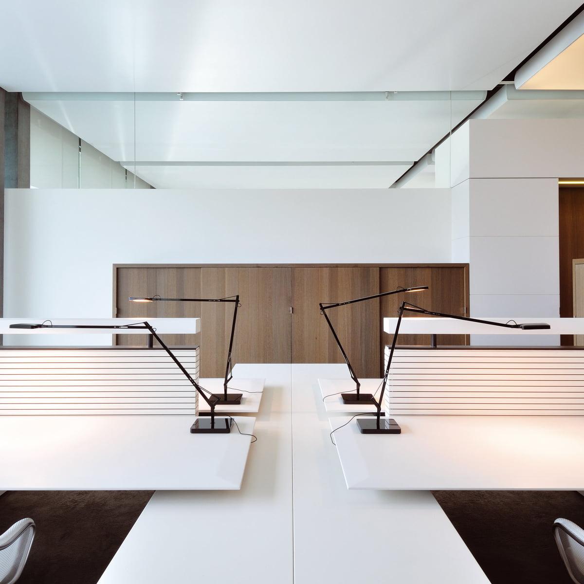 lampe de table kelvin led de flos dans la boutique du design. Black Bedroom Furniture Sets. Home Design Ideas