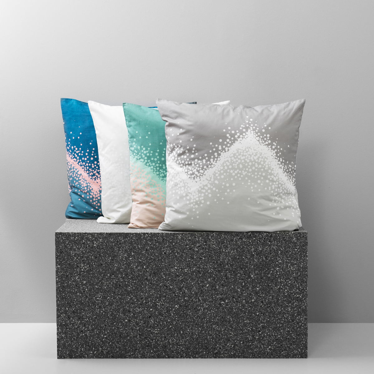parure de lit sprinkle de normann copenhagen. Black Bedroom Furniture Sets. Home Design Ideas