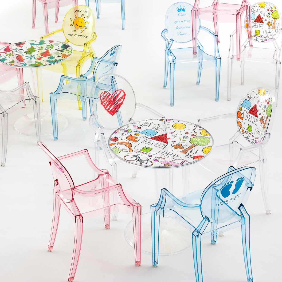 table pour enfant tip top de kartell e boutique connox. Black Bedroom Furniture Sets. Home Design Ideas