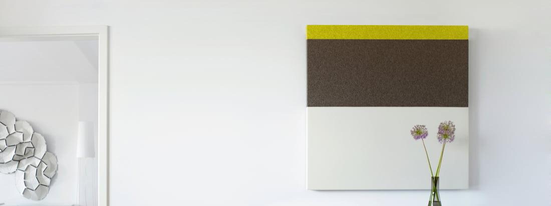 Les panneaux acoustiques de l'édition Connox #1 par acousticpearls se caractérisent par des couleurs douces avec un petit accent de couleur dans un dessin à rayures. Les panneaux sont carrés et ont les dimensions 120 x 120 cm.