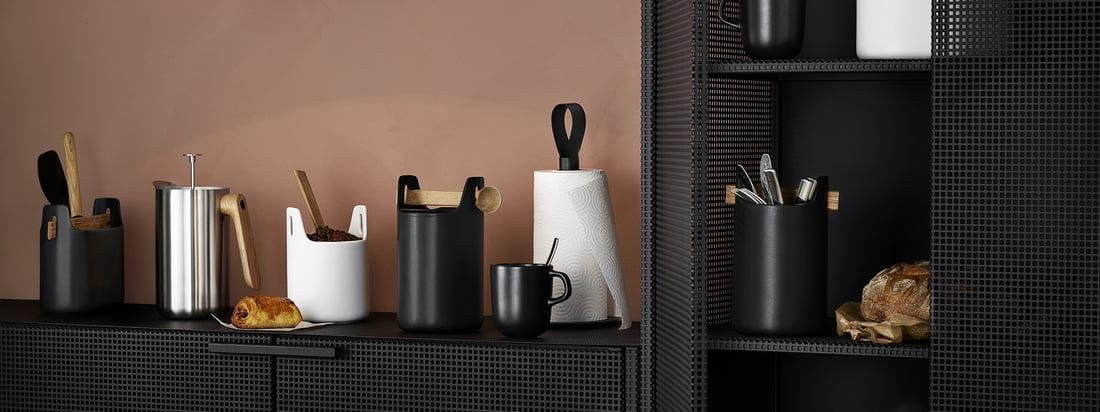 Vue d'ambiance de la boîte à outils d'Eva Solo en noir et blanc. Avec la boîte à outils d'Eva Solo, vous pouvez créer de l'ordre dans n'importe quelle pièce de manière élégante.