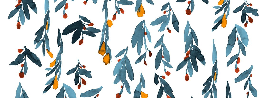 Les délicates couleurs aquarelles des fleurs et des feuilles semblent bien se dérouler et donnent au motif Hyhmä de Marimekko une expression si dynamique.