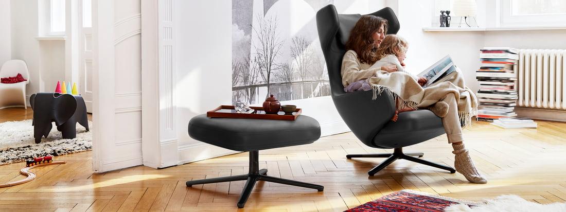 Les sites Grand Repos et Repos Lounge Chairs de Vitra sont plus que de simples fauteuils confortables : ils s'intègrent parfaitement à l'ambiance et offrent un confort élégant.