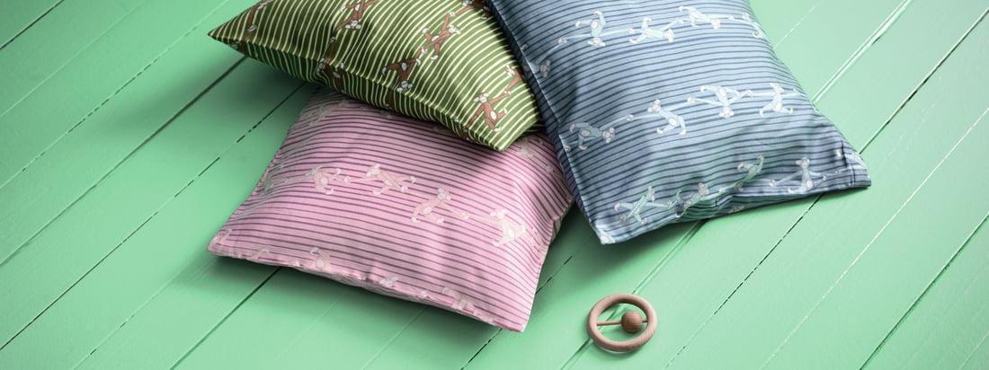 Le linge de lit pour bébé Monkey de Kay Bojesen se compose d'un ensemble. Une housse de couette et une taie d'oreiller sont incluses. Ils sont également idéaux pour être combinés entre eux.