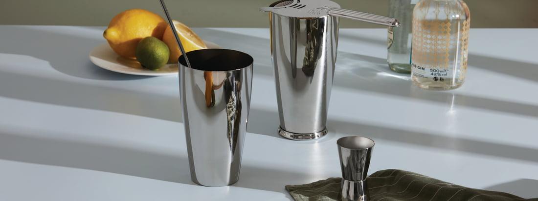 Dans la collection Mixology d'Alessi, le design rencontre l'art de la préparation des cocktails. Un mélange qui évoque le barman qui sommeille en chacun de nous et donne envie de déguster des boissons et des cocktails fraîchement mixés.
