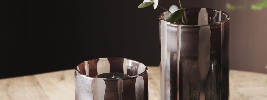 Porte-bougie / vase Bai, brun par House Doctor dans la vue Ambiente. Les différentes tailles des porte-bougies peuvent être parfaitement combinées entre elles.
