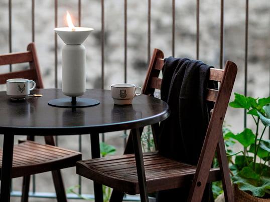 Le Balkondesign du fabriquant Weishäupl convainc aussi avec leurs produits à la fois fonctionnel et élégant, adaptés aux espace limité. La chaise de balcon et la table pliante en teck.