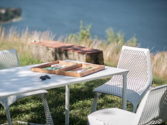 La chaise Myto est un projet de Plank, BASF et Konstantin Grcic. Ils ont réinterprété cette icone de l'histoire du design et ont établi de nouvelles normes avec des matériaux élégants.