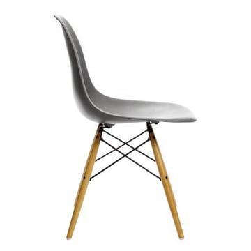 Vitra - Eames Plastic Side Chair DSW, Érable clair / basalte