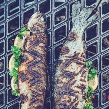 Grille en fonte pour viandes et poissons