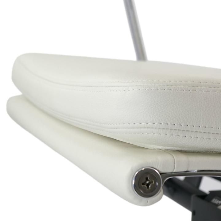 Vitra - Soft Pad Chair EA 217