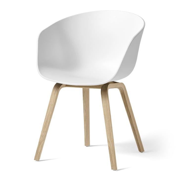 About A Chair AAC 22 de Hay en chêne laqué mat / blanc