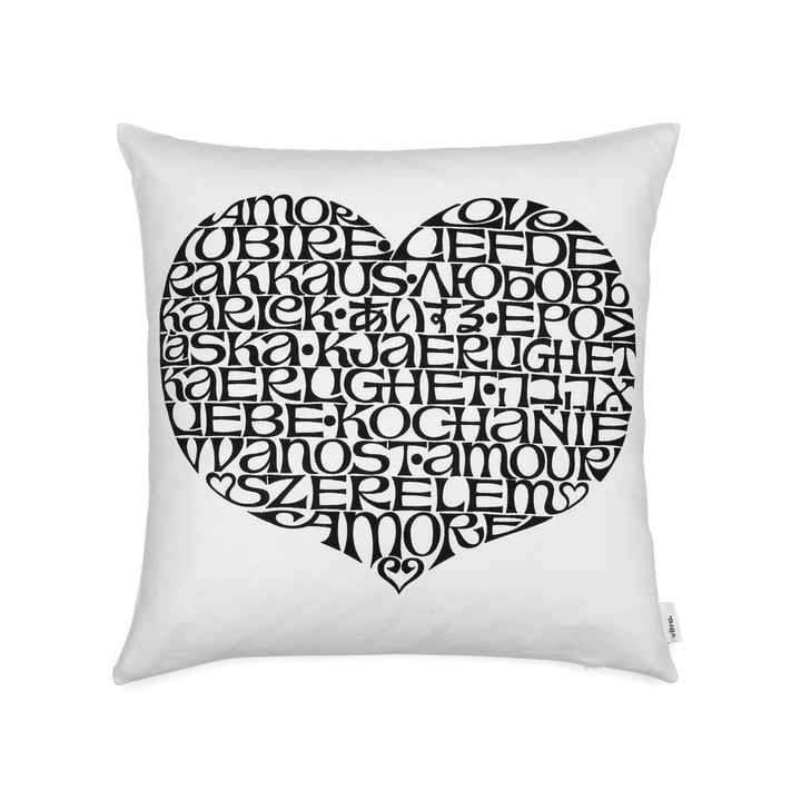 Oreiller imprimé graphique 40 x 40 cm International Love Heart by Vitra en noir / blanc