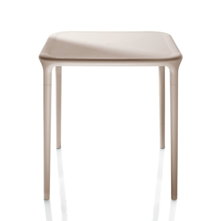 Air Table Outdoor, 65 x 65 cm en beige par Magis