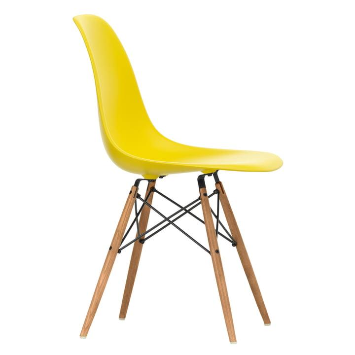 Eames Plastic Side Chair DSW by Vitra en frêne couleur miel / lumière du soleil