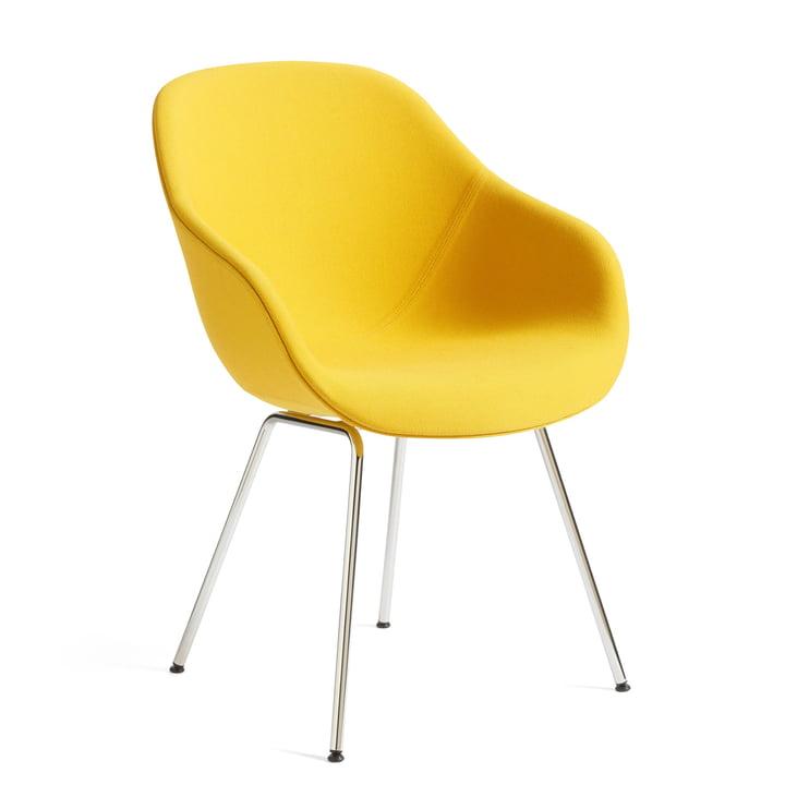 A propos de la chaise AAC 127, Chrome / Steelcut Trio 446 jaune par Hay