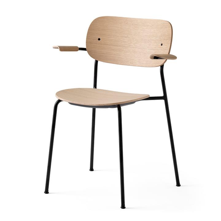 Co Chaise de salle à manger avec accoudoirs, noir / chêne naturel par Menu