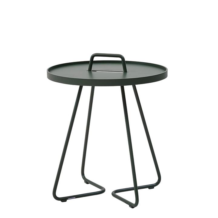 On-the-move table latérale Ø 44 x H 52 cm de Cane-line en vert foncé