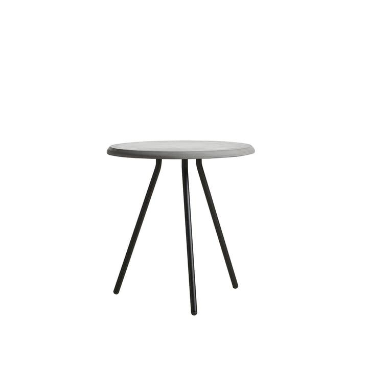 Table d'appoint Soround H 48,3 cm / Ø 45 cm de Woud dans le béton