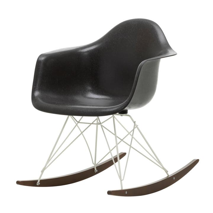 Eames Fiberglass Armchair RAR de Vitra in in dark maple / white / Eames elephant hide grey