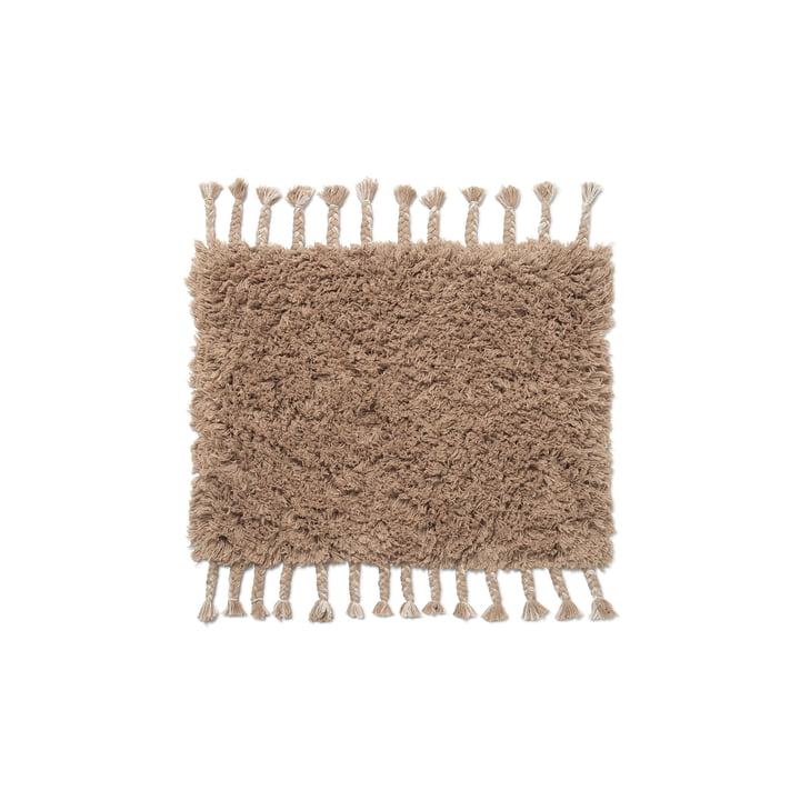 Le paillasson à poils hauts Amass de ferm Living, dans le cadre de l'Année européenne de l'environnement, a été conçu pour répondre aux besoins de la société. white pepper
