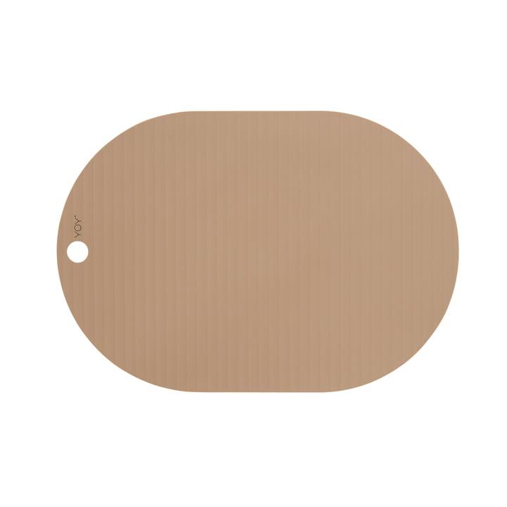Le set de table ovale Ribbo de OYOY , chameau