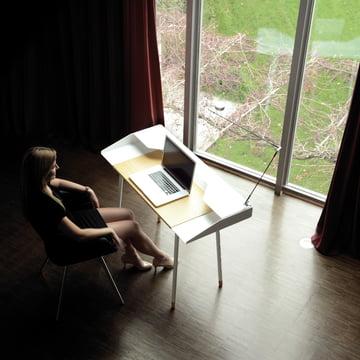 Radius Design - Secrétaire Miss Moneypenny, photo d'ambiance à la fenêtre