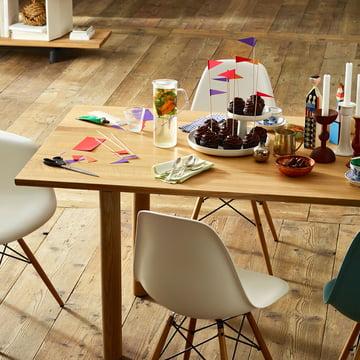 Vitra - Wood Table, chêne naturel, table dressée
