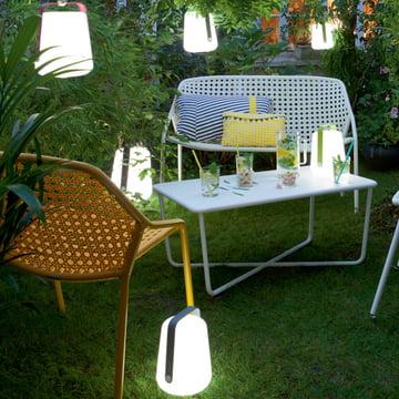 Lampe LED à batterie Fermob : facile à transporter et extrêmement flexible