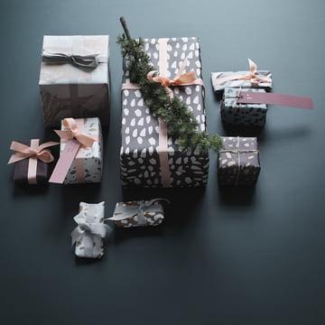 Étiquettes et papier cadeau de ferm Living