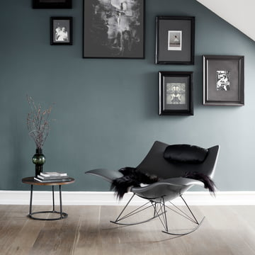 Chaise à bascule Stingray de Fredericia en gris foncé mat/ silex