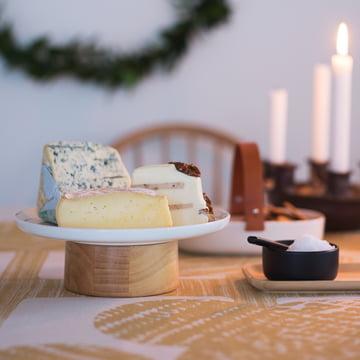 Bol à sel et poivre Oiva Mauste avec l'assiette de service / le plat à gâteau Oiva Kanta de Marimekko