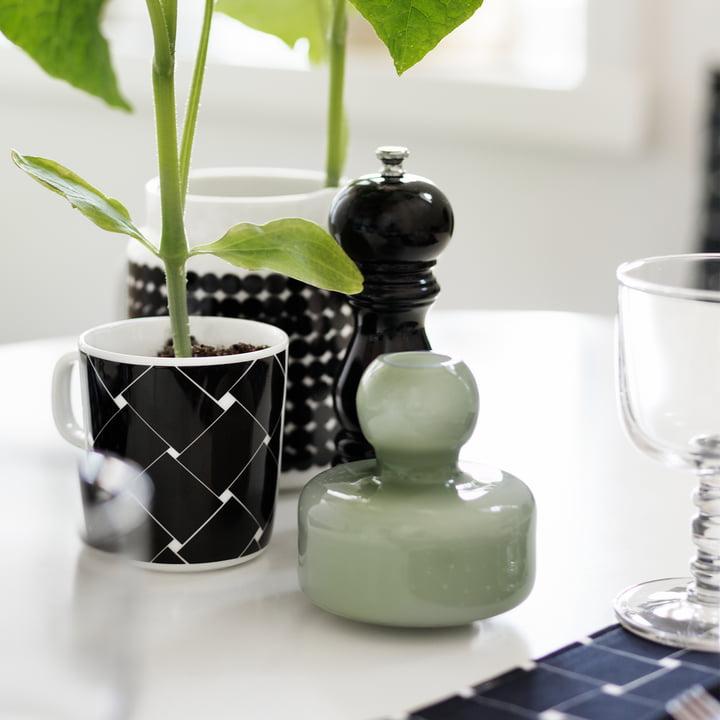 Vase Flower et mug Oiva Basket