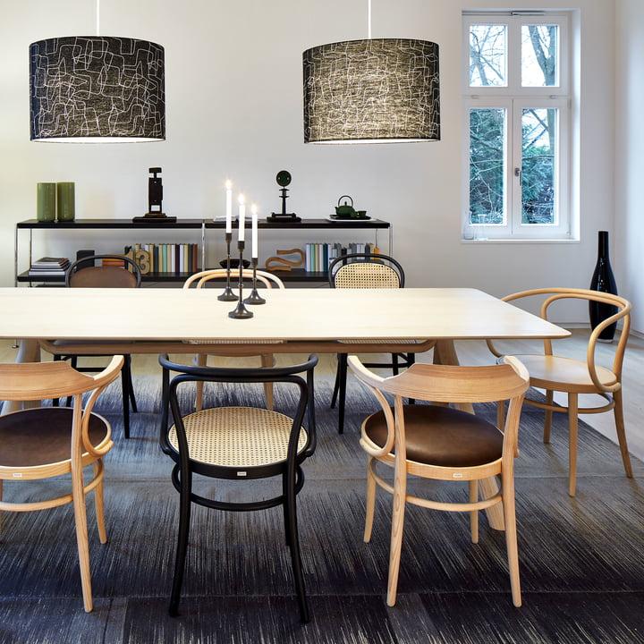 Chaises en bois courbé classiques par Thonet