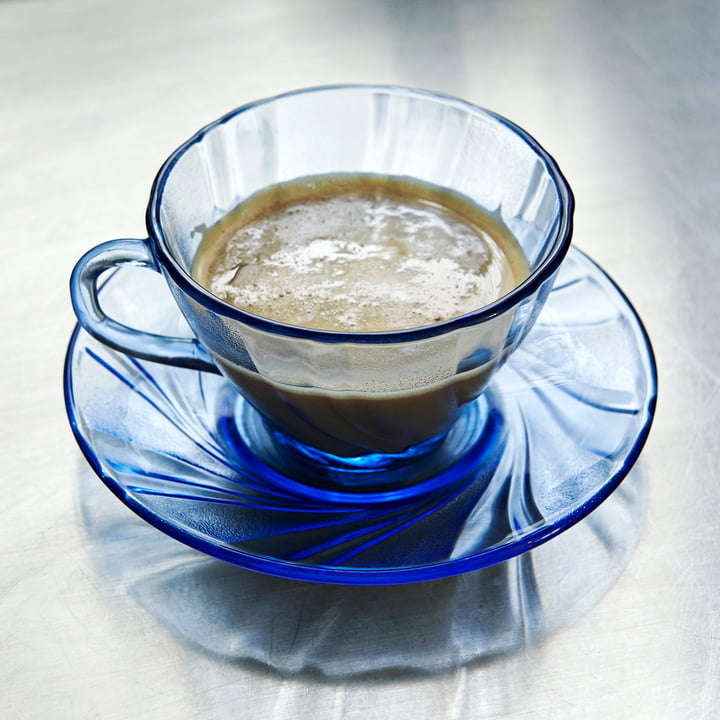 Tasse à café Duralex avec soucoupe par Hay en bleu